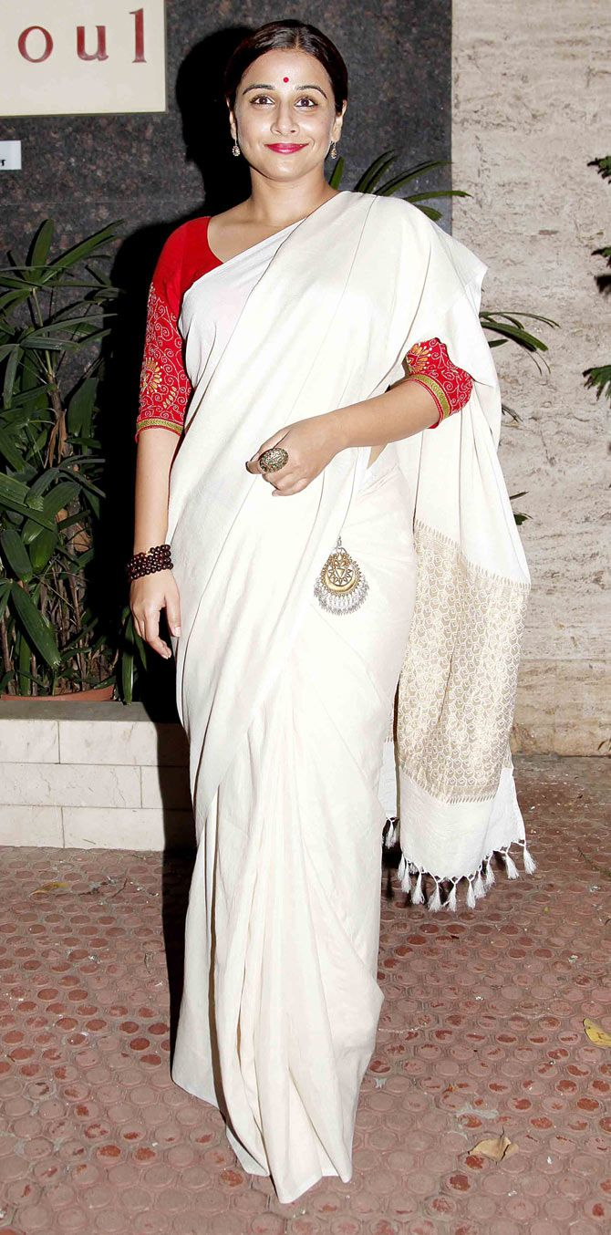 Vidya Balan at the Sculptor show held at Gallery Art and Soul.