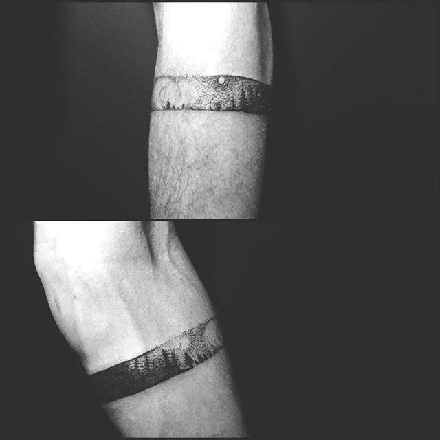 #tattoooftheday #thetoneofinkbyedaakay #tattooartist #edahayvani #tattooankara #inkedup #tattoo #armbandtattoo