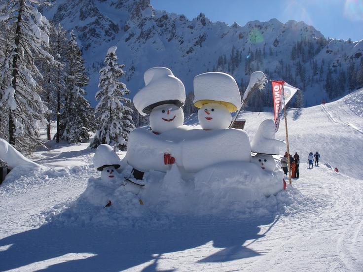 giant snowmen at the Croda Rossa - Hotel Royal ***s - Sexten/ Sesto