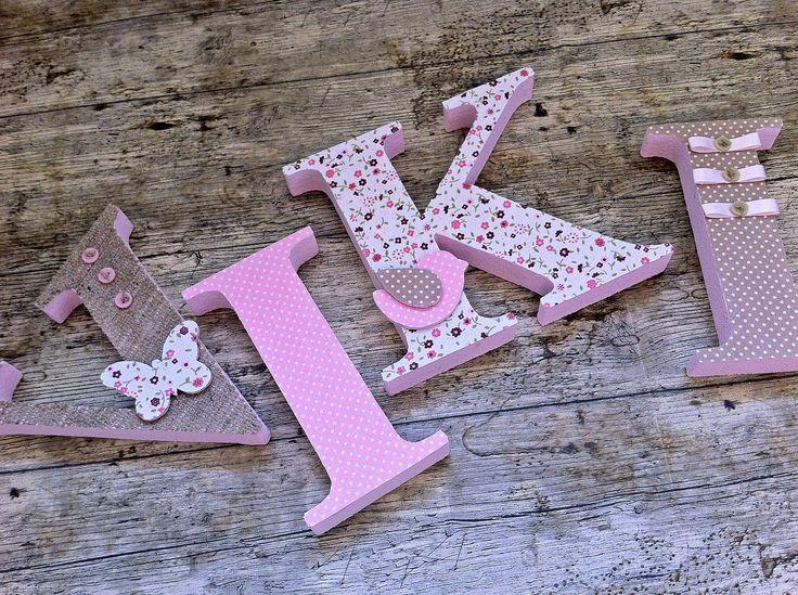 NIKI egyedileg díszített polisztirol habbetűk igény szerinti színvilággal és egyéni/egyedi stílusban rendelhetők. A betűk 19cm magasak és a 3cm szélesek. #### name, letters handmade, baby, gift ,név, betűk, kézzel készült, bébi, ajándék...