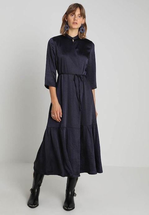72a39935c8c MININA LONG DRESS - Maxi dress - deep well   Zalando.co.uk 🛒 in ...