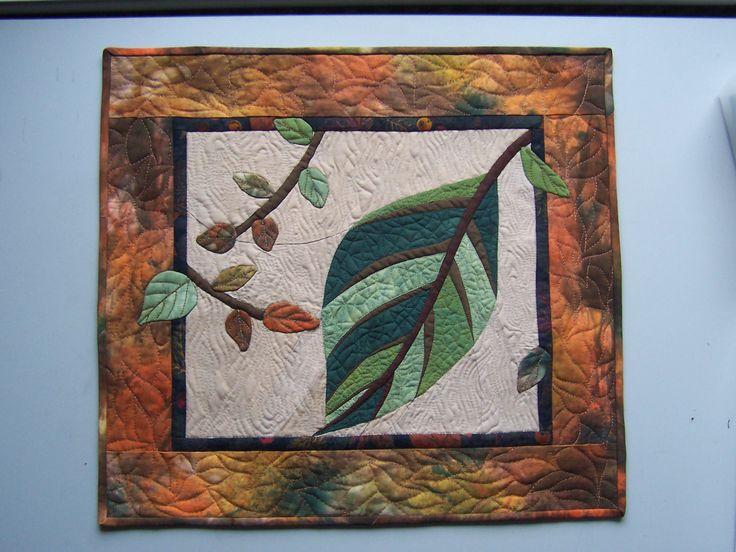 """""""Ősz"""" című falikép.Saját festésű anyagokból,kézzel varrott,géppel tűzött."""