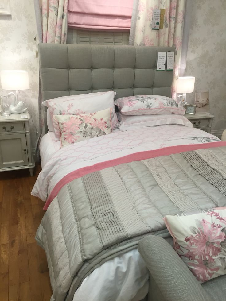 Grey And Pink Living Room Decor: 1000+ Ideas About Pink Grey Bedrooms On Pinterest