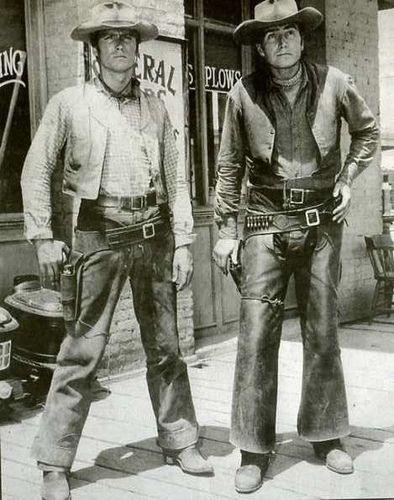 Rawhide - Clint Eastwood as Rowdy Yates & Eric Fleming as Gil Favor