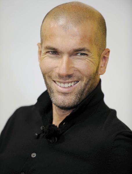 Sóc del Barça. Completament. Però també sóc objectiva, i l'objectivitat és que el Zidane té un somriure preciós i que es pot dir clarament que està boníssim.
