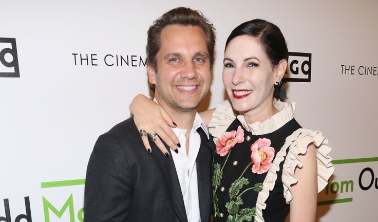 """Jill Kargman Toasts """"Odd Mom Out"""" Season 3 at The Whitby Hotel - Daily Front Row https://fashionweekdaily.com/jill-kargman-toasts-odd-mom-season-3-whitby-hotel/#utm_sguid=153444,201bc69d-bb6f-435b-26fc-3ae29540bf90"""