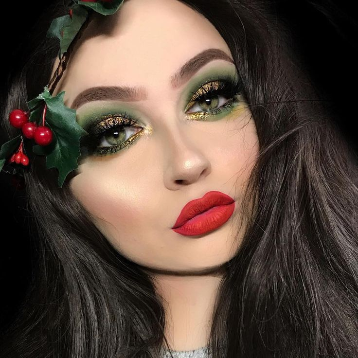 "2,197 Me gusta, 11 comentarios - LASplash Cosmetics (@lasplashcosmetics) en Instagram: ""Such a festive look! @krawallbambi Wearing our #wickedlydivine in Ursula part of our…"""