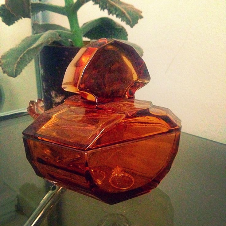 One of my favourite finds, a vintage art deco glass jar from the 20's..