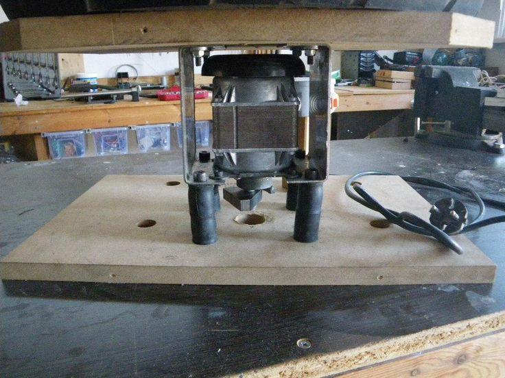 Vibratory tumbler