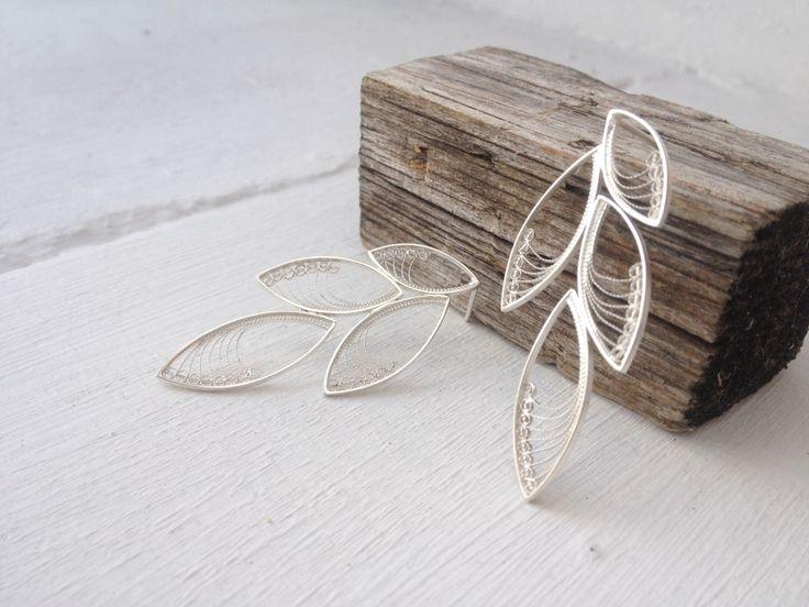 Filigraan oorringen in Sterling Zilver - RAMI collectie door AnaSalesJewelry op Etsy https://www.etsy.com/nl/listing/199072918/filigraan-oorringen-in-sterling-zilver