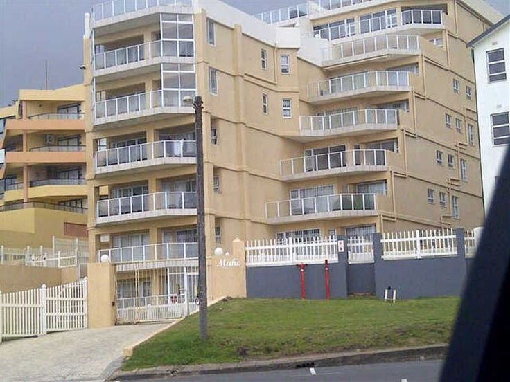 Margate - Welcome to MargateA 3 bedroom flat (sleeps max 6 persons), 2 bathrooms, enclosed balcony with uninterrupted sea and breaker view. For safety and security there is a double lock-up garage. We have a swimming ... #weekendgetaways #margate #southcoast #southafrica