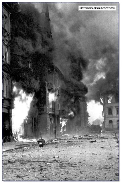 Polish Tragedy: Warsaw Uprising Of 1944. Warsaw burns during the Uprising