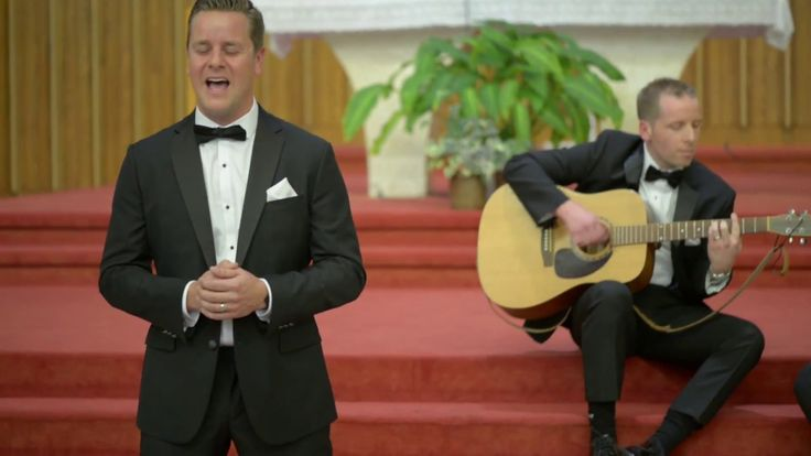 Thomas Rhett - Die A Happy Man - Surprise cover during wedding ceremony