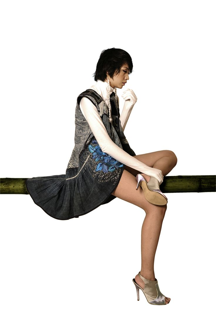 Minh Hanh. Vietnamese Fashion Designer. Italy & Vietnam 2011. Photo: Bui Viet Anh. Model: Thuy Huong
