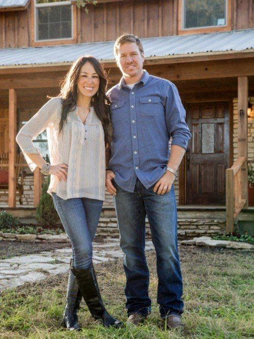 1000 images about fixer upper on pinterest the internet before and after pictures and home. Black Bedroom Furniture Sets. Home Design Ideas