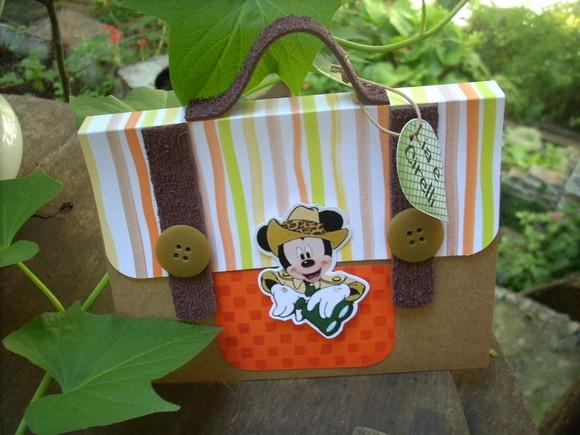 Mickey invitation                                                                                                                                                                                 Mais