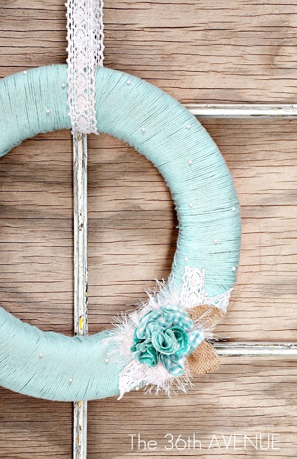 Super easy and beautiful Spring Wreath and TUTORIAL. #wreath