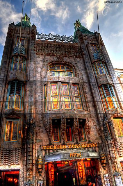 Camac: Art Deco Architecture:  Tuschinski Theatre Amsterdam