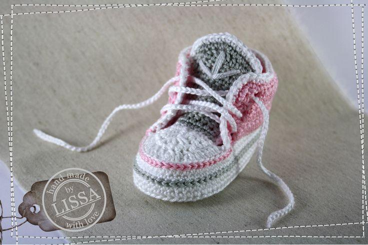 Babyschuhe, gehäkelt in Rosa-Weiß-Grau von LISSA auf DaWanda.com