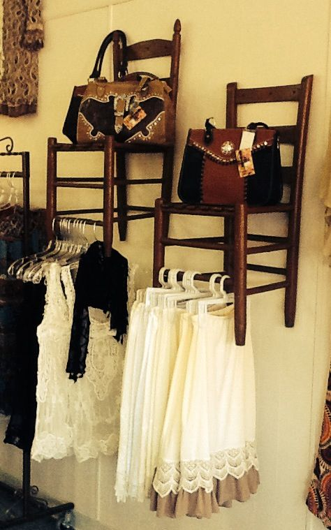 Best 25 consignment store displays ideas on pinterest for Vintage einrichtung shop