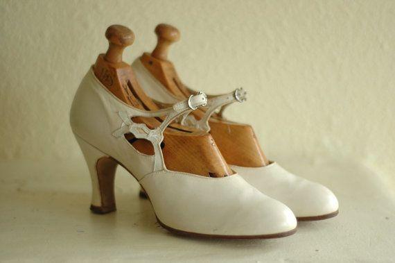 vintage 1920s shoes / 20s white art deco by honeytalkvintage                                                                                                                                                                                 Plus