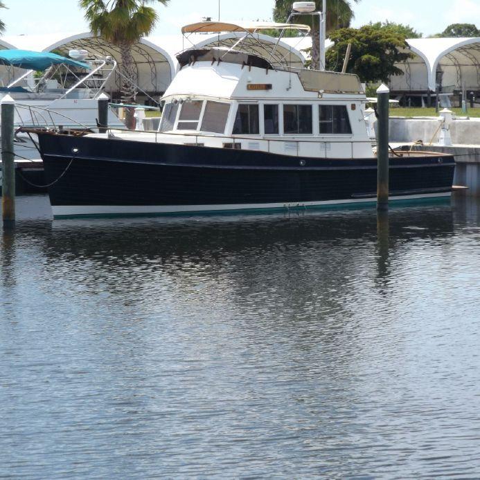 1985 Grand Banks 42 Sport Sedan Bridge Power Boat For Sale -