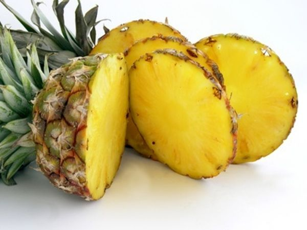 Style Presso - http://www.stylepresso.com/17-superfoods-that-beat-the-bloat/