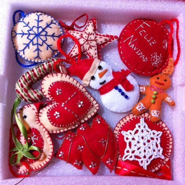 Adornos de navidad en fieltro hechos a mano mis - Adornos de navidad hechos a mano ...