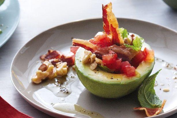 Avocado, tomato, walnut & crisp pancetta salad