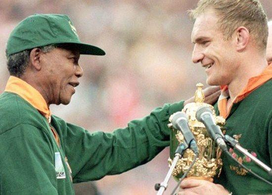 INVICTUS, Nelson Mandela.                                                                                                                                                                                 Plus