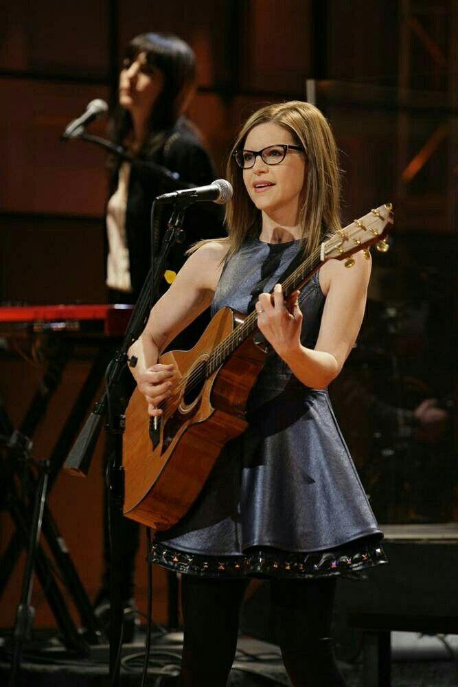 Lisa Loeb. Singer & Songwriter ❤