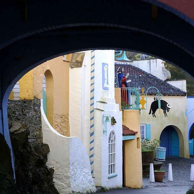 If you're arty, visit Portmeirion. | 12 Breathtaking Places In Wales You Need To Visit