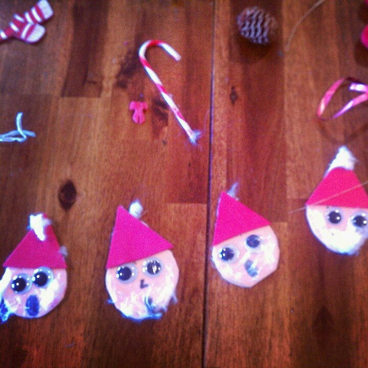 Make Elves With Construction Paper And Google Eyessmall