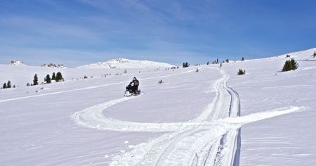 Snowmobiling in Altai