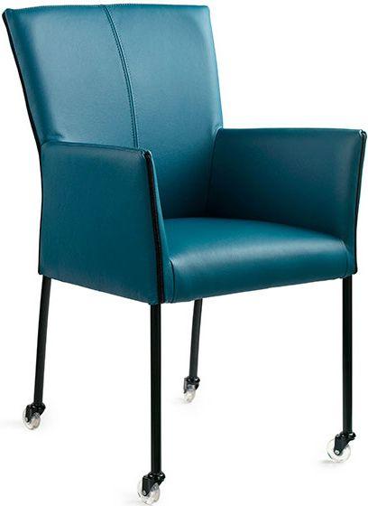 fraai design. De stoel is afgewerkt met een rits langs de armleuning ...