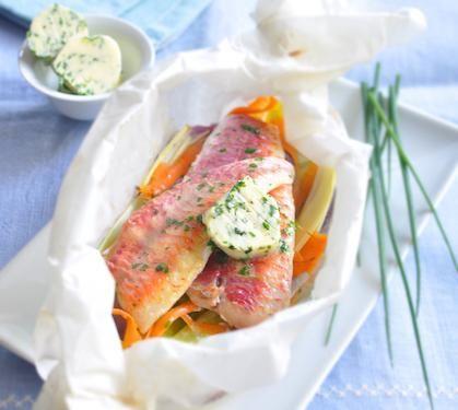 Recette de Papillote de rouget et légumes, au beurre d'herbes