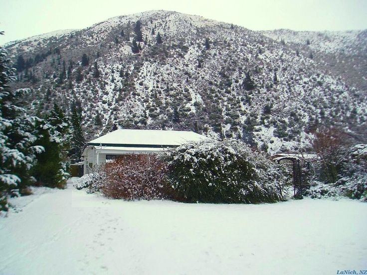 Snowy Winter, Kurow, New Zealand (by Larisa Nicholls)
