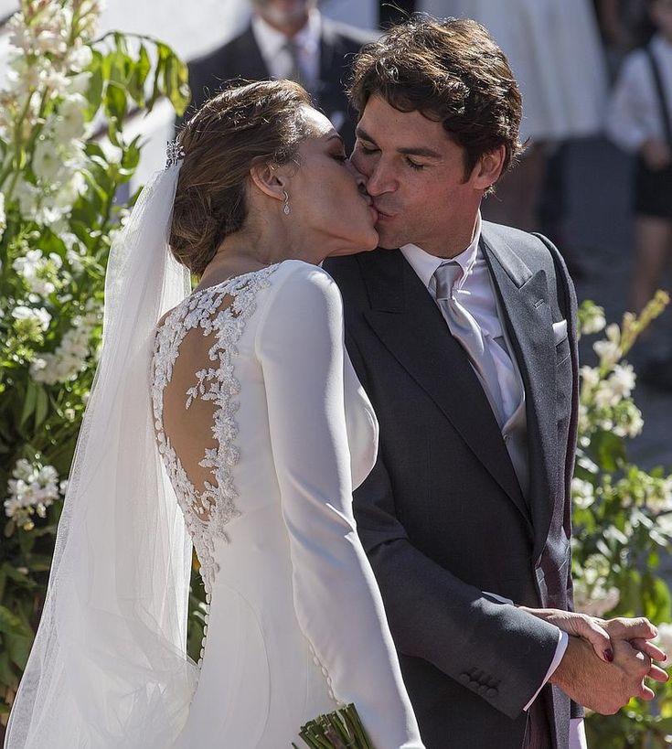 La boda de Cayetano Rivera y Eva González, en imágenes