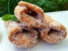 Los pestiños son otros de los dulces típicos que se solían hacer en fechas señaladas como Navidad o Semana Santa. Normalmente se añade ...