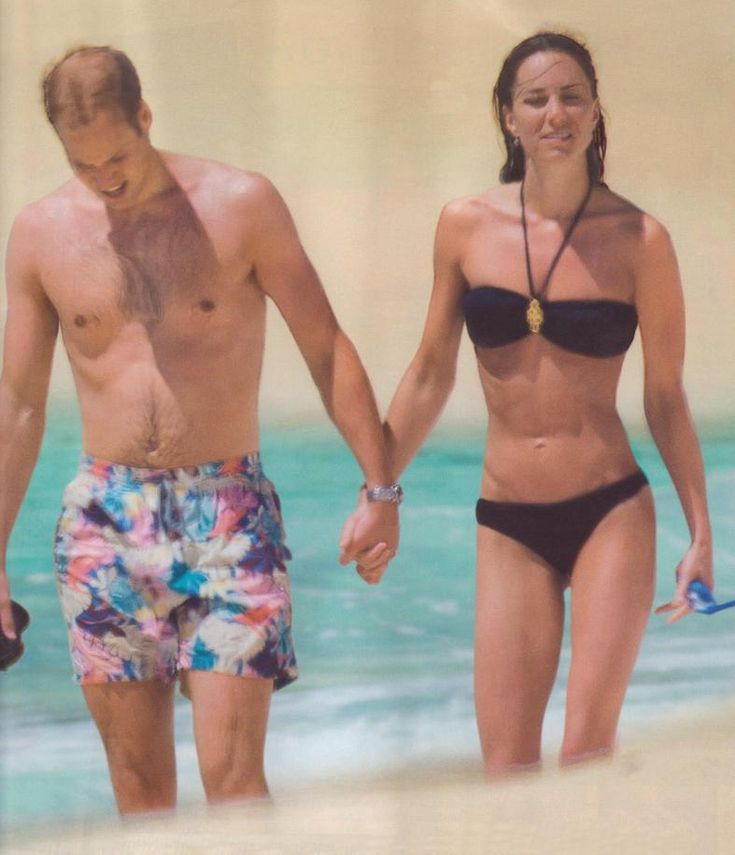 11 May 2011 - William and Kate on the beach during their honeymoon in the Seychelles