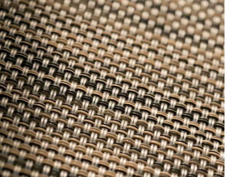 Warp and weft are thermofixed in order to give more stability to the fabric and prevent fraying.