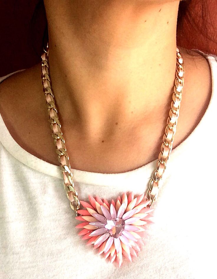 Pink necklace https://www.kichink.com/stores/onetrendyone