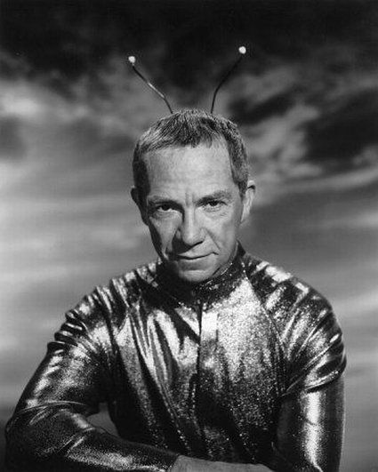 "Ray Walston - ""My Favorite Martian"". My Favorite Martian is an American television sitcom that aired on CBS from September 29, 1963 to May 1, 1966 for 107 episodes (75 in black and white 1963–1965, 32 color 1965–1966). The show starred Ray Walston as Uncle Martin (the Martian) and Bill Bixby as Tim O'Hara."