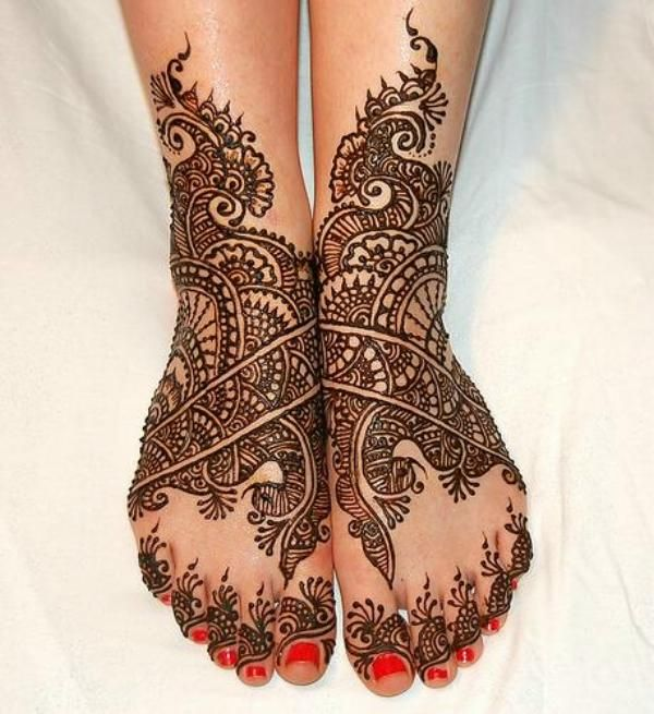 Beautiful Leg Mehndi Design