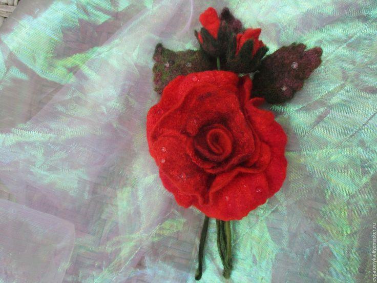 Купить Росы прозрачные слезинки... - ярко-красный, роза, брошь, розочка, брошка, войлок, шерсть