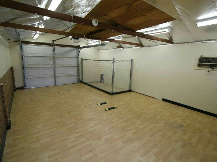 9353cb2ca18e050463d9bd462f7e41a1--dog-pen-dog-garage