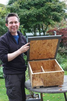 Hedgehog houses - DIY step by step guide on how to build a hedgehog house for wild hedgehogs in your garden.   https://littlesilverhedgehog.wordpress.com/2016/01/26/build-a-hedgehog-house/