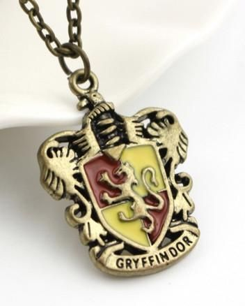 Gryffindor Hogwarts Crest Harry Potter necklace