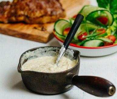 Recept: Varm vitlökscrème på grillen