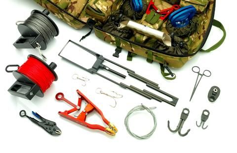 """MEDIUM SCALE HOOK AND LINE RIGGING KIT Compact kit for dismounted EOD/IEDD For medium scale EOD operations, simple proven equipment (""""Mk2 Plus"""")"""